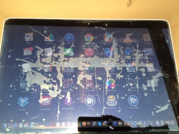 Retina MacBook Pro Anti Reflective Coating Staingate - Apple now offering Repairs