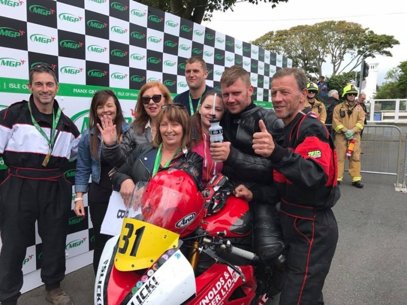 Dean Osbourne takes third in the 2017 Manx Gp Senior Race